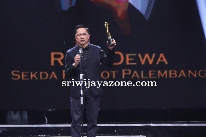 Ratu Dewa Berhasil Mendapatkan Penghargaan Di Moeslim Choice  Award 2020